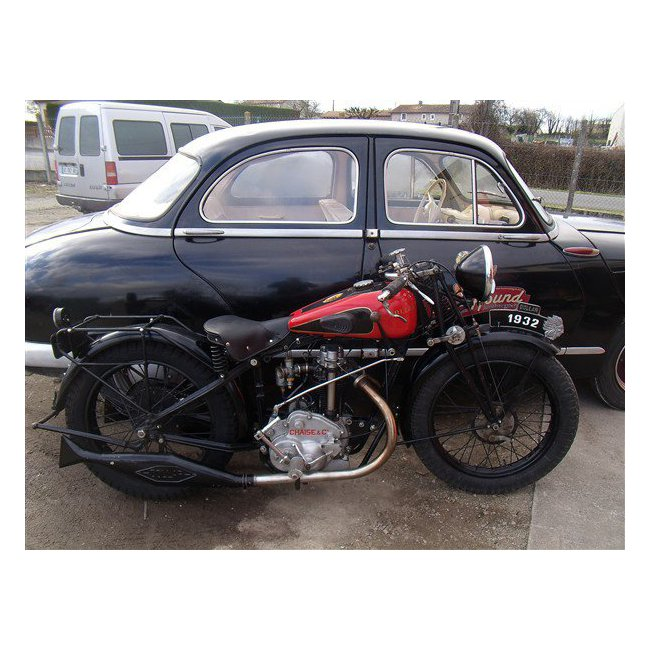 Moto ancienne anglaise for Garage specialiste bmw 95