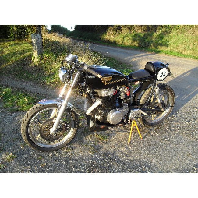 Moto Vendues > Honda 400 CMT : Hound Motorcycle