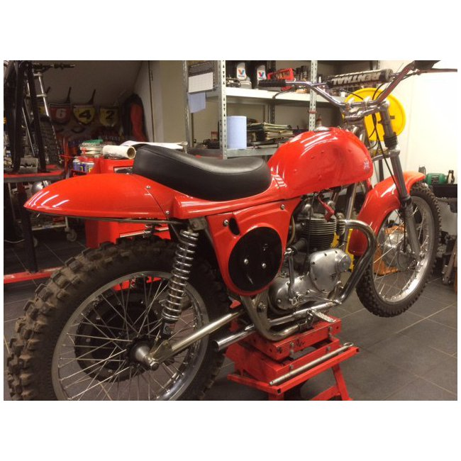 moto vendues rickman triumph hound motorcycle. Black Bedroom Furniture Sets. Home Design Ideas